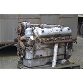 Nefunkční motor JaMZ-238
